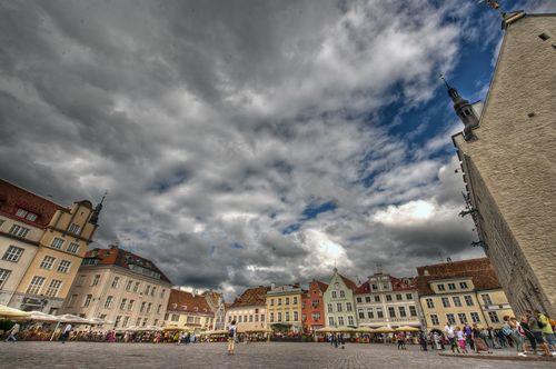 TallinnOldTownSmall